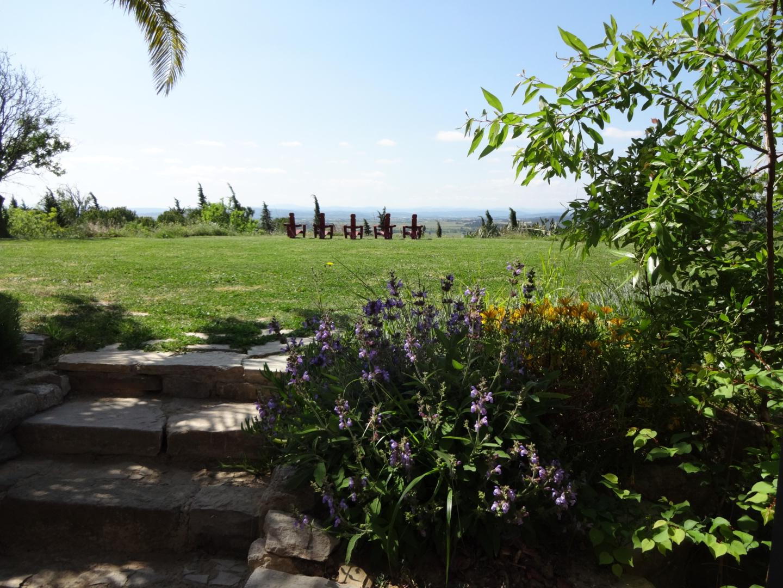 Photos - Vue sur le paysage et les transats du Domaine du Viala